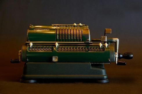 machine-3039352_1920